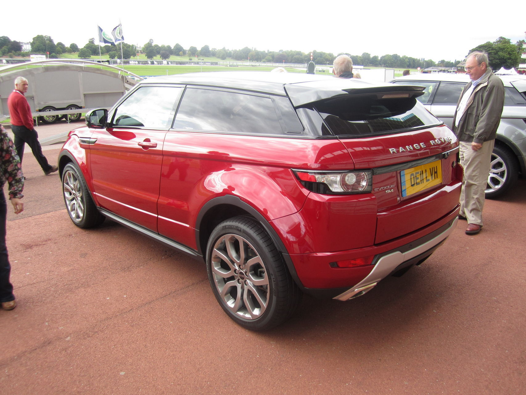 the range rover evoque forum firenze red. Black Bedroom Furniture Sets. Home Design Ideas