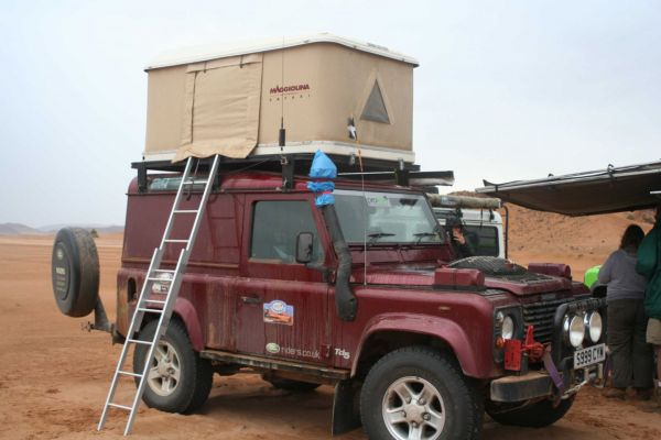 So he does. & DISCO3.CO.UK - View topic - Maggiolina Roof Tent