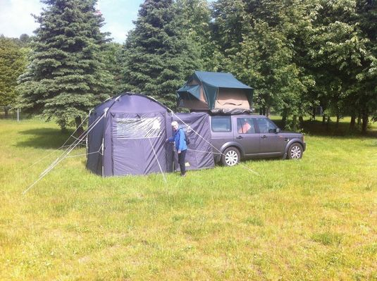 Not my picture but is now my tent Whistle & DISCO3.CO.UK - View topic - [For Sale] Discovery Day Tent For Sale